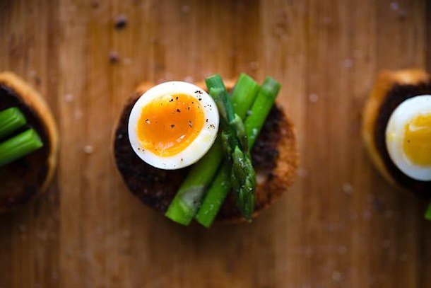 Bruscetta with Quail Eggs, Truffle & Asparagus